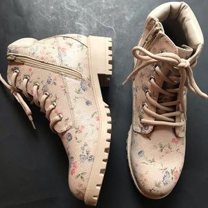 MADDEN GIRL FRESH LACE UP FLORAL BOOTIES